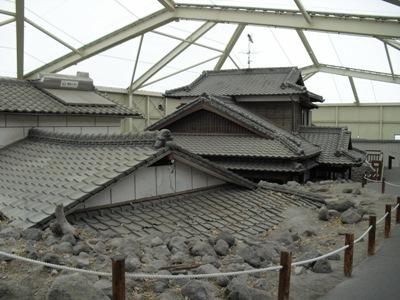 CIMG0103.jpg土石流に埋まった家。深江町雲仙災害展示。.jpg