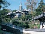 寺院と協会の見える風景.jpg