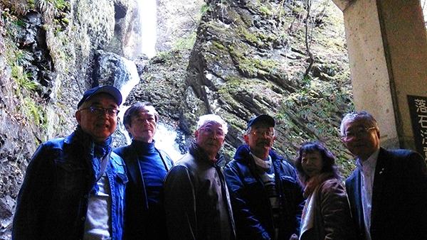竜化の滝2.jpg